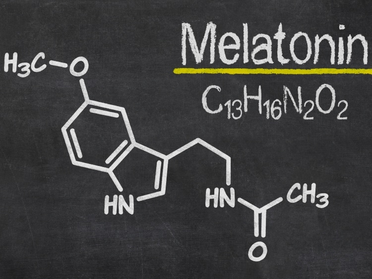 synthetic melatonin vs natural melatonin